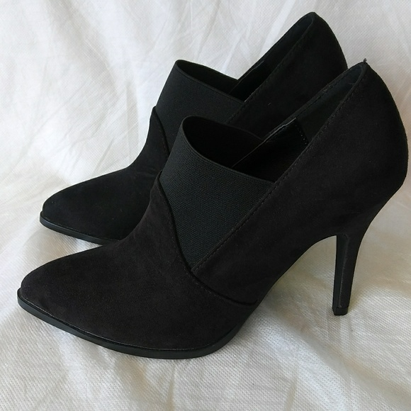 6749543887 Miracle Miles Shoes | Womens Black Classic Pointed Toe Pumps | Poshmark